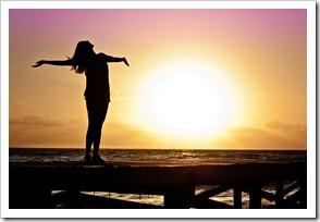 Freedom-Silhouette-Happy-Sunrise-Woman-Sun-Girl-591576